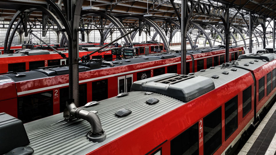 Railstation Lübeck Automobile Industry Car Plant Engine Factory Handy Photo Horizontal Indoors  Industry Lübeck, Germany Manufacturing Movement Of Persons No People Passenger Transport Performing Arts Event Production Line Railstation Technology Transportation