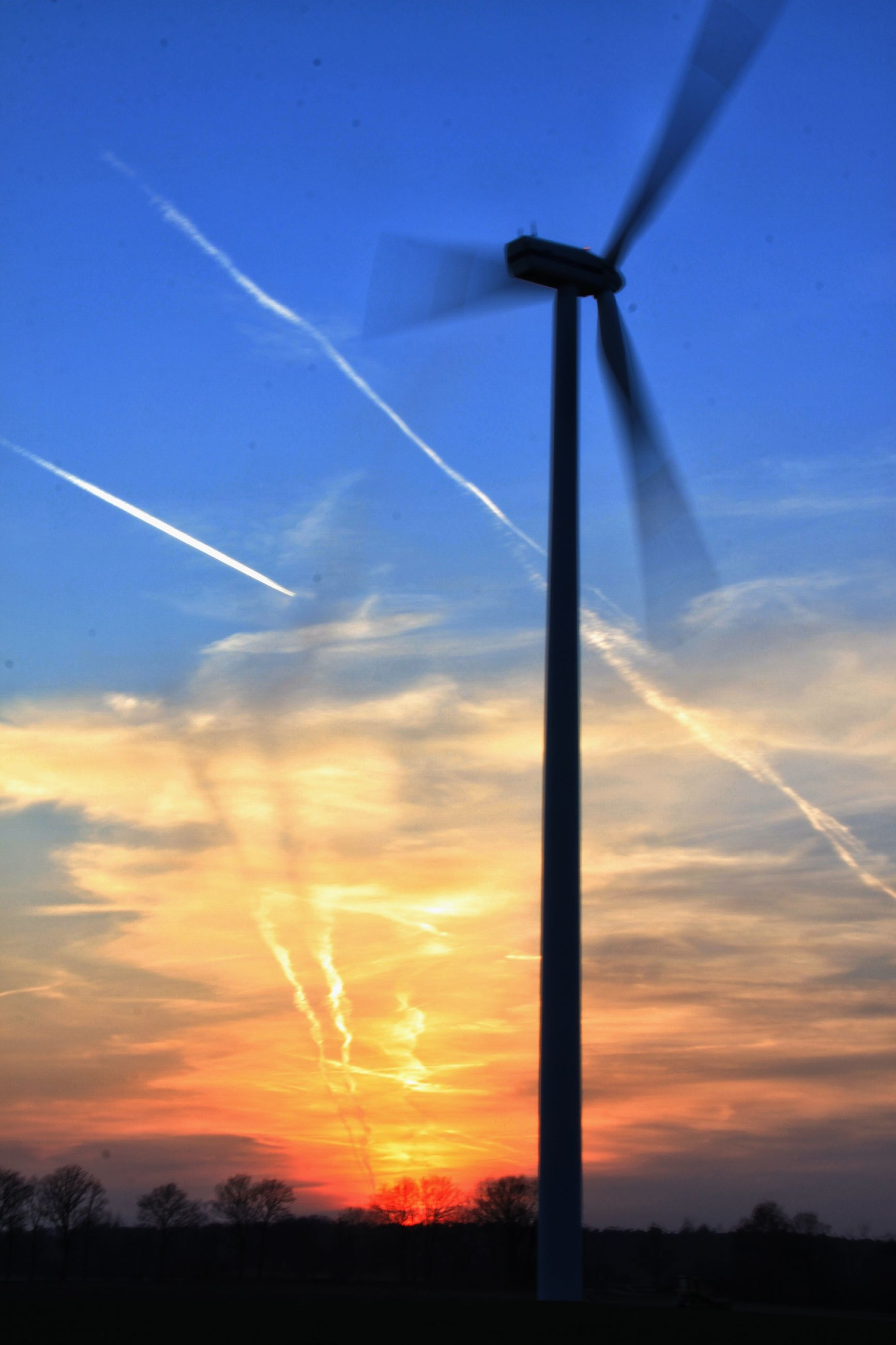 sunset, wind power, sky, wind turbine, alternative energy, windmill, renewable energy, fuel and power generation, environmental conservation, landscape, silhouette, cloud - sky, scenics, rural scene, beauty in nature, field, tranquil scene, tranquility, cloud, nature