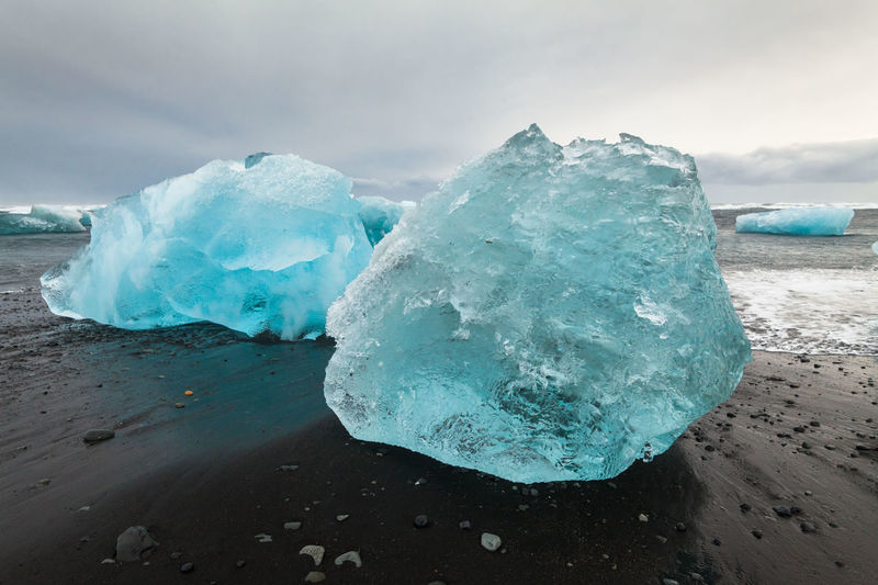 Jokulsarlon is a glacial lagoon or better known as Iceberg Lagoon which located in Vatnajokull National Park Iceland Ice Ice Beach Iceberg Iceberg - Ice Formation Iceberg Melting Icebergs Iceland Iceland Trip Icelandtrip Jokulsarlon Glacier Jokulsarlon Lagoon Jokulsarlon Lake Jokulsarlonlagoon Jökulsárlón Jökulsárlón Beach Jökulsárlón Glaciar Lagoon ıceland