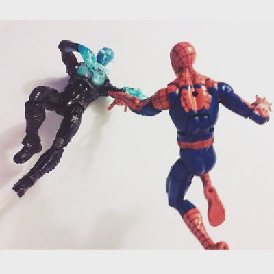 Bring it on sparky! Electro Amazingspiderman Marvellegends Infinitieseries Webhead Hasbro Disney Classicspiderman Spiderman Figurelife Marvel Mcu Greengoblinwave Baf Superheros Figures Collecting Spiderblood Spidey Peterparker Figurecollection Collector Collection Mcu Marvelcomics baf villians heros