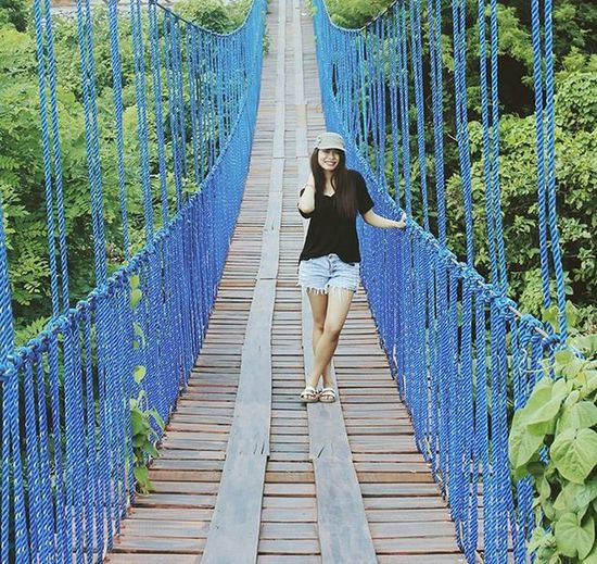 Don't fear what you can't control. Don't fear what might happen. Don't fear who might care. You can cross that bridge when you get there. 😁 Hbr Makatibatokpose