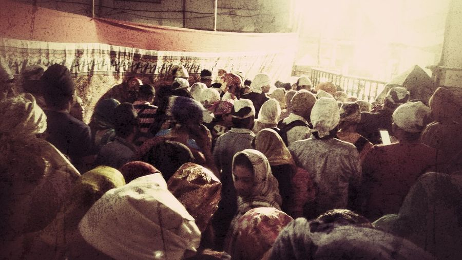 Celebrating Gurupurab on occassion of 350 years birth anniversary of Guru Gobind Sahib JiLarge Group Of People Real People Crowd Lifestyles Gurupurab Gurpurab Gurudwara Langar Langar Hall Togetherness Sikh Sikhism SikhTemple Guru Mumbai