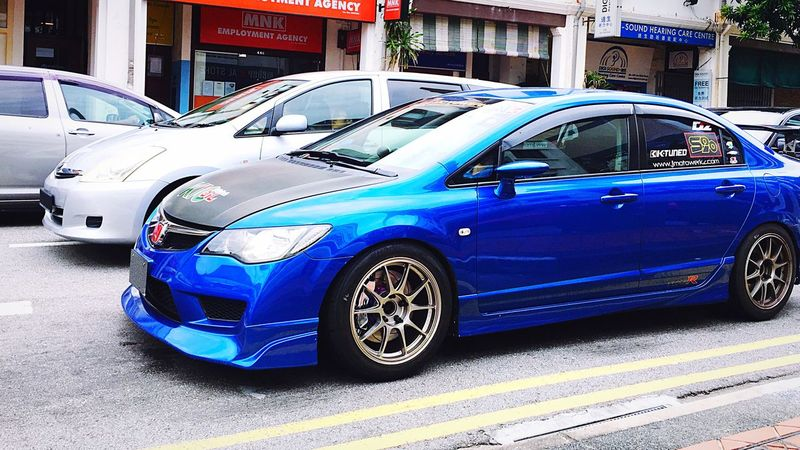 No Monday Blues with this car... City Car Blue Transportation Transportation City Life Traffic Civic Type R Honda Honda Civic Jdm Track Life Wheels Racecar Sports Car Sports Cars Stance Stancenation Cars Street The Drive BIG Fast Camber