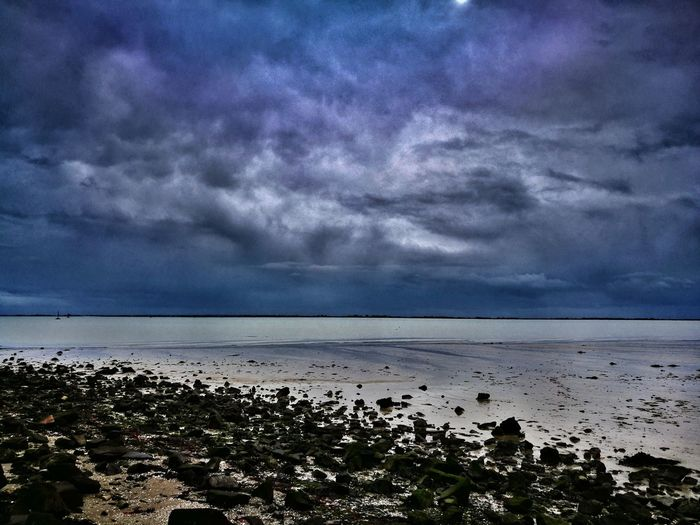 Sea Sky Nature Scenics Horizon Over Water Beauty In Nature Dramatic Sky Cloud - Sky Outdoors Beach Tranquility No People Water Vendée France🇫🇷 HuaweiP9 Huawai P9 Leica Lens Day