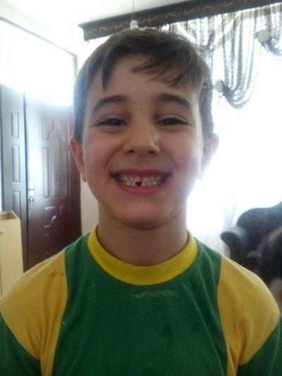 روز اول افتادن دندان پسرم در سن هفت سالگی مبارکت باشه پسرم Hi!
