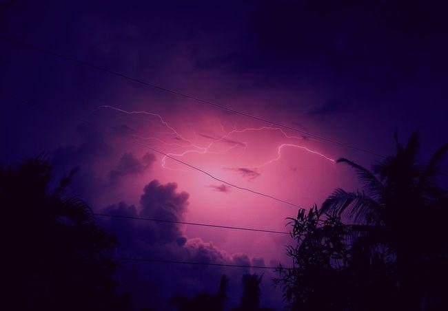 1am lightning show. Oppo N1, 8secs exposure