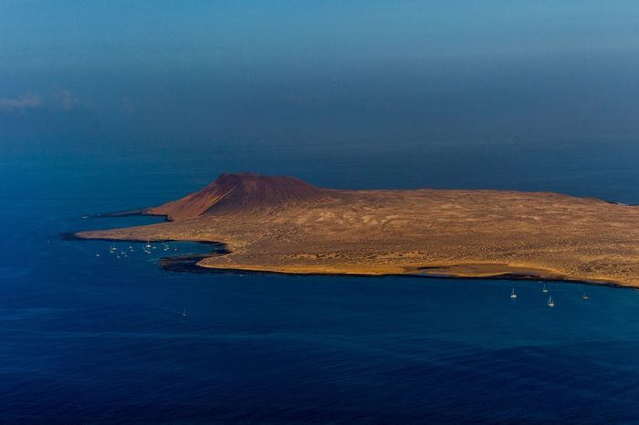 Lanzarote Lagraciosa Nature Nature Photography Photo Photography Photooftheday Love Me All_shots Canon Sea Water Sailing Ship Oil Pump