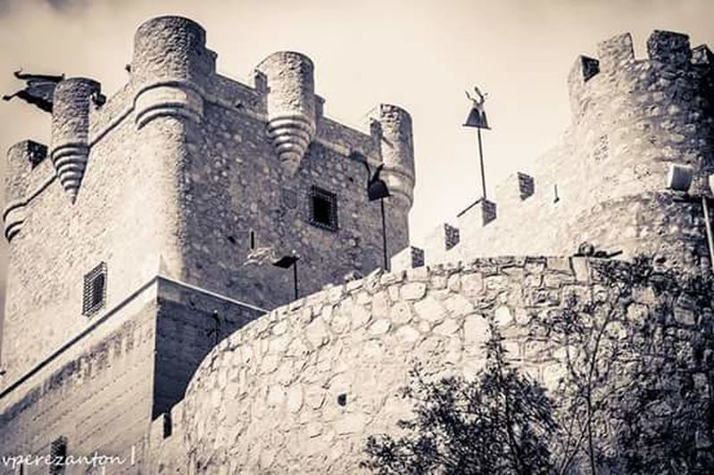 Villenamedieval17 Outdoors Sky Day Medieval History Architecture War Low Angle View No People Fort Blanco Y Negro. Black And White Photography
