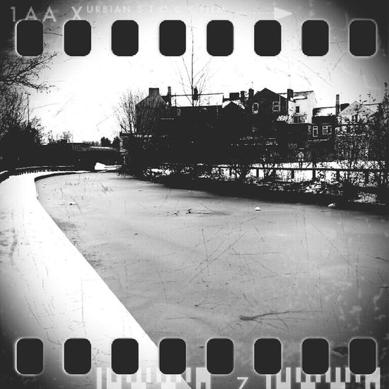 Gangsters Paradise Canal Ice Cracked Lonely Greyscale Cold Winter ❄⛄ Banbury