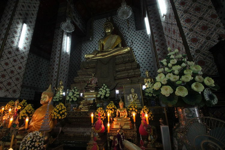 Illuminated Statue Indoors  Christmas Spirituality Religion Christmas Decoration Night Sculpture Christmas Lights Holiday - Event Low Angle View No People Thailand🇹🇭 Thailand_allshots Thailand Travel Photography Bangkok Thailand. Thailandtravel Building Exterior Architecture Meditation Monks In Temple Temple - Building Temples