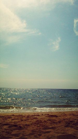 skyline isn't ok but anyway I want to be here Relaxing Sea Summer Enjoying Life