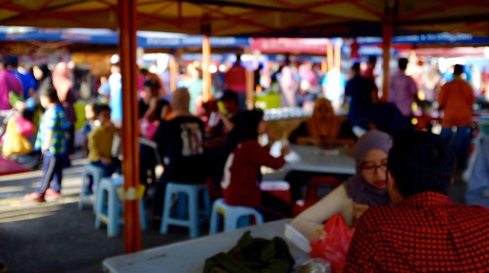 Saturday Agro Market Agro Market Breakfast Festival Large Group Of People Leisure Activity Malaysia Selangor Serdang Sitting Social Gathering