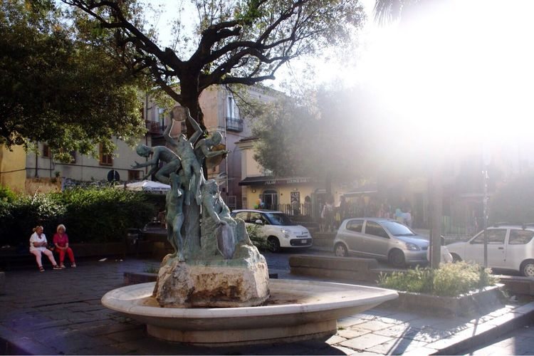 Statue Tree