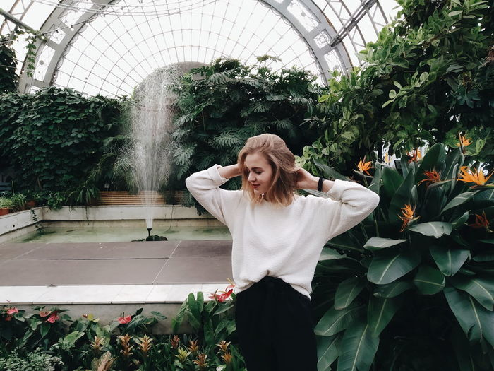 Blond Hair Water Flower Greenhouse Young Women Beautiful Woman Happiness Smiling Women Botanical Garden Growing Tropical Flower Succulent Plant Flowering Plant My Best Photo
