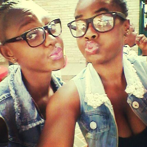 Sisters for life Blackandwhite