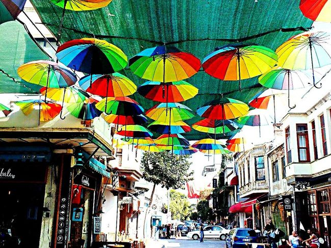 İçinizde renk yoksa gökkuşağını dışarda aramayın.. 🌂🌈 Multi Colored Built Structure City Travel Destinations Outdoors Hanging Building Exterior Architecture Day Istanbul EyeEm Gallery Fotografheryerde Fujifilm Eye4photography  Rengarenk Photooftheday Sokaktahayatvar Kadrajımdanyansıyanlar