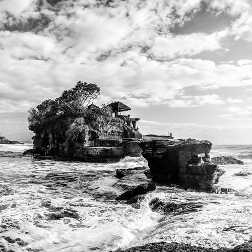 Tanahlot, Bali, Indonesia Tanah Lot Bali, Indonesia Bali INDONESIA Religion Temple Built Structure Water Sea Sky Nature Waterfront Wave Outdoors Ocean Travel Travel Photography Black & White Tourism Famous Place Travel Destinations No People Monument Tourist Destination