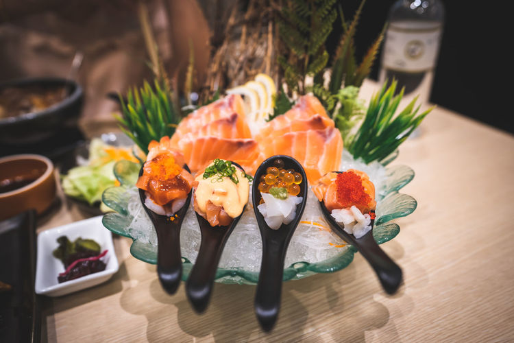 sashimi japanese food Asian Food Close-up Fish Food Food And Drink Food Styling Freshness Healthy Eating Indoors  Japanese Food No People Plate Ready-to-eat Salmon - Seafood Sashimi  Seafood Serving Size Still Life Sushi Table Temptation Tray Wellbeing
