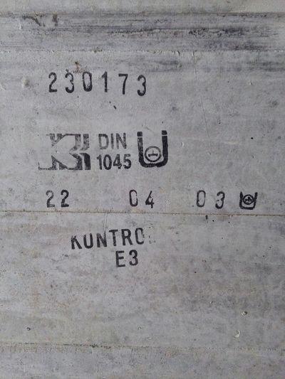 Gaming Schilder Symbole Norm DIN Fonts Font Tunnel Zahlen Buchstaben Spiele Mapping Skin Raumschiff Schacht Symbol Number Numbers Computerspiele Videospiele
