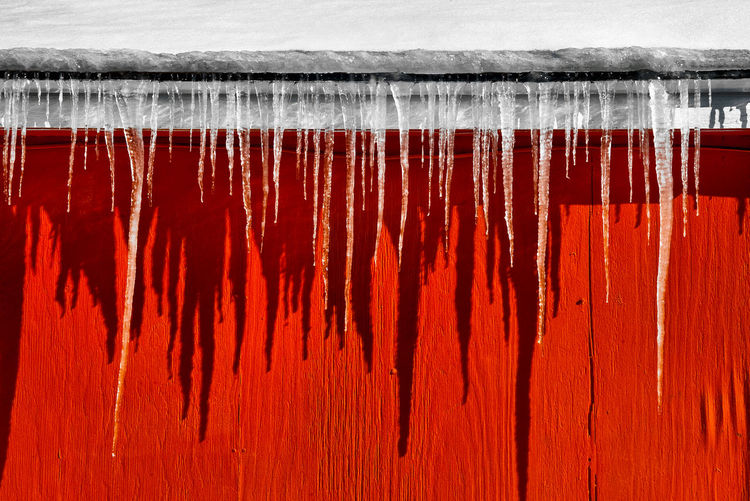 Red Winter Cold Temperature Snow No People Wood - Material Close-up Frozen Icicle Day Built Structure White Color Full Frame Wall - Building Feature Outdoors Nature Architecture Ice Water Corrugated Capture Tomorrow