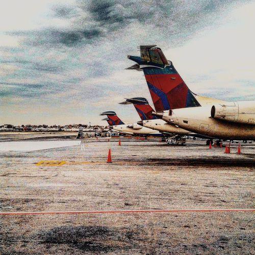 Delta Connection Avgeek Fromwhereistand LGA Love ♥ Delta Airlines Skyteam
