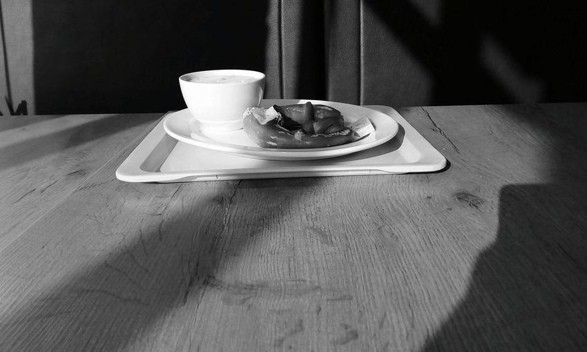 Frühstück Butterbrezel Brezel Kaffee Schnee Winter Frühstück Morgen