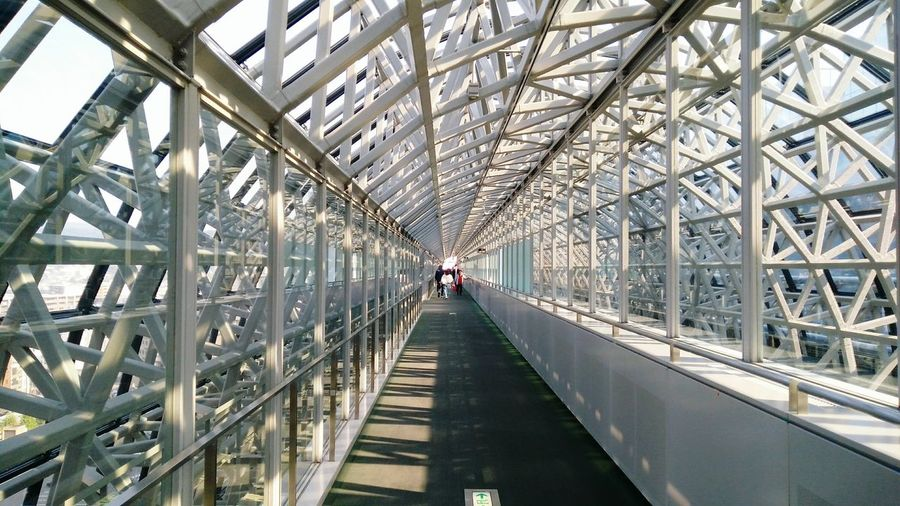 Bridge - Man Made Structure Built Structure Architecture Travel Destinations Business Finance And Industry People Day Indoors  Adults Only Adult City Sky