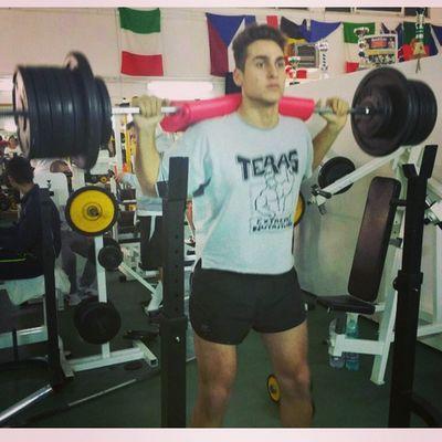 Noce work ? Bodybuilding Squat Legs Gym ronniecoleman 180kg nopain nogain onemorerep fitness workout quadriceps