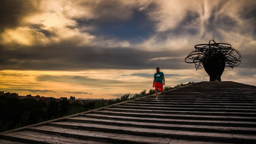 Check This Out EyeEm Gallery Leading Lines Parque Lineal De Manzanares Punto De Fuga Silhouette Stairs Adult Cloud - Sky Day Full Length Going Downstairs Malephotographerofthemonth Men Nature One Person Outdoors People Real People Sky Sport Clothes Staute Sunset Breathing Space