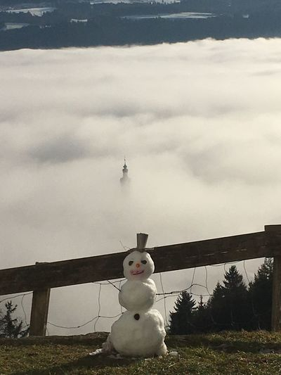 Schneemann im Nebel Kirchturmspitze Kirchturm Nebel Schneemann Foggy Snwo Statue Human Representation Sculpture Sky No People Cloud - Sky Outdoors Day Nature