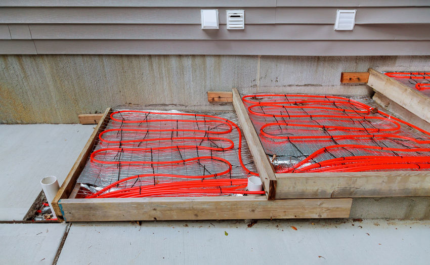 Underfloor House Thermal Heat Pipe Construction Work Indoor Floor Tube Plastic Installation Home Pipeline Water Industry Under Temperature System Building Domestic Modern Radiant Warm Ground Radiator Room Hot Comfort Conduction Hydraulic Installing Material Climate Interior Structure Heating Supply Connection Convection Energy Technology Industrial Plumber White Equipment Repair Heater Flooring Central