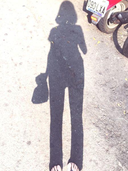 Girl Shadow Morning 早 台中 影子 買早餐啦!!早安