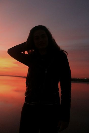 Silhouette in the sunset Sunset One Person One Silhouette Pink Sunset Sky Colors Sky Silhouette Young Adult People Portrait Nature People Photography Nature Photography Nature_collection Canonphotography Canon 1200D Uniqueness Women Around The World Art Is Everywhere