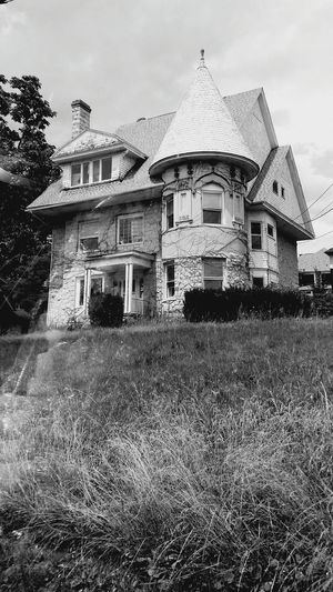 Dunmore, PA B&W, Monochrome Urban Old House Turret Abandoned? Potential  First Eyeem Photo