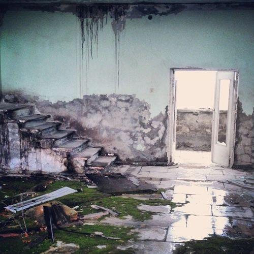 По-киношному живописные этажи со звуком капающей воды припять отель_полесье Мертвый_город Pripyat dead_city radiation abandoned_city