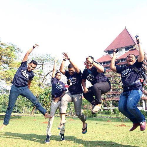 Jakartatrip UniversitasIndonesia Msusrc1516 Msumalaysia Young Adult Student Life Cheerful Jumpshot