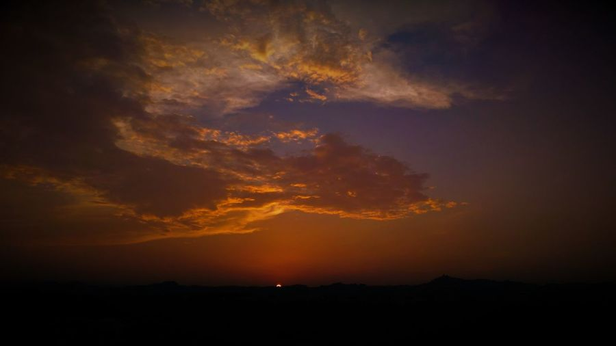 Abruzzo Abruzzo, Italia Hot Sunset Van Gango Beauty In Nature Cloud - Sky Landscape Nature No People Orange Color Scenics - Nature Sky Sunset Tranquil Scene Tranquility