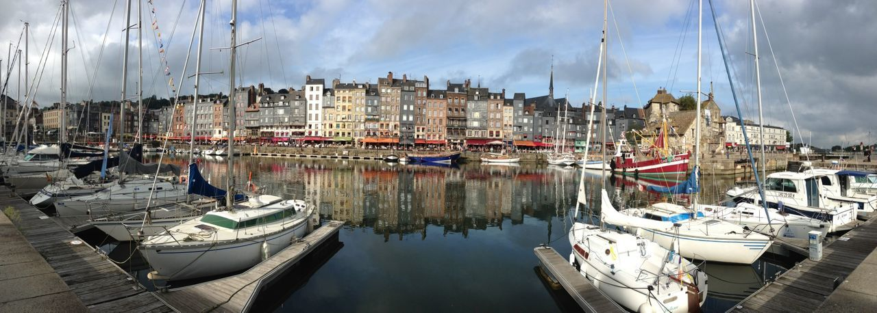 My favourite town Enjoying The Sights Walking Around Panorama Streetphotography Street Photography Street Harbour Panoramic Panoramic Photography Honfleur Honfleur, France Boat Boats Boats⛵️ Boats And Water Boats And Moorings Buildings Old Buildings Old Town Houses