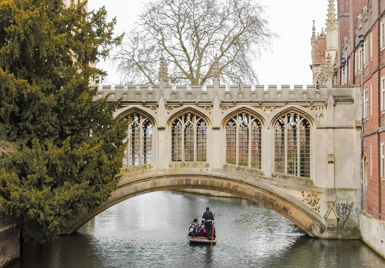 The Bridge of Sighs, in Cambridge (UK) Architecture Boat Bridge Bridge Of Sighs British Cam Cambridge Cambridgeshire Cloudy College England Great Britain Landmark Leisure Outdoors Outside Overcast Photography Punt Punter Punting River Uk United Kingdom Urban
