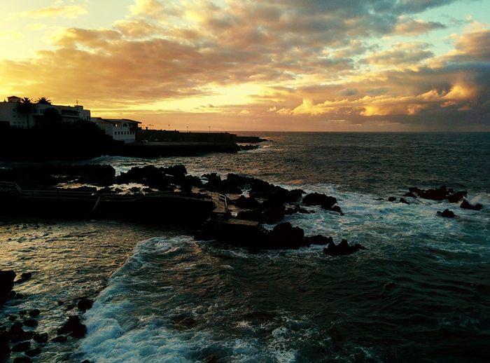 Puerto de la Cruz de Tenerife, sunset over the Atlantic ocean