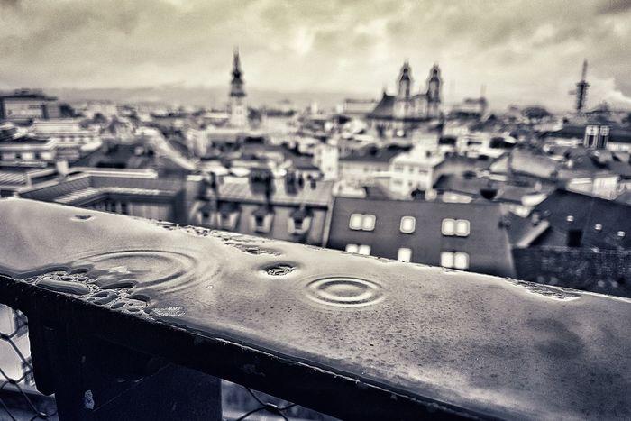 Das Schloss weint City Cityscape Sky Close-up Architecture Building Exterior Built Structure Rainy Season RainDrop Rain Wet