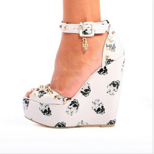 IWant Need Skullwedges LoveThem  musthave