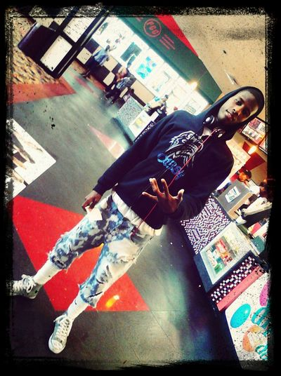 At greenspoint mall thuggen