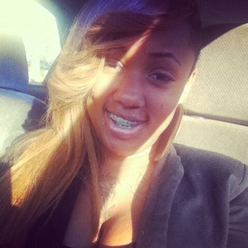 NO MATTER WATS GOIN ON N MY LIFE I STILL SMILE