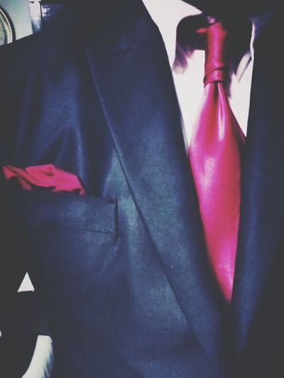 The 'Red Tie' Fever.. Suitup Suits  Tie Necktie Vank Wyk Knot Tie Knot Pocketsquare Black Suit White Shirt Red Tie Well-dressed My Wardrobe My Fashion TrendSetters