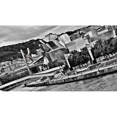 Guggenheim, Bilbao Verybilbao , Bilbaolovers , Bilbao , Bilbaoarchitecture , Bilbaocentro , Bilbaoclick , All_shots , Picoftheday Photooftheday , Euskogram Euskadi Euskadibasquecountry , Euskadigrafias
