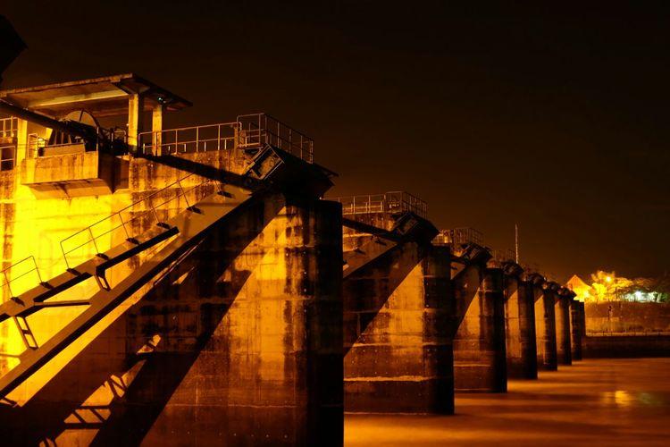 Pintu Air Indonesia_photography Bojonegoro Bojonegorohitz Night Bridge - Man Made Structure Illuminated Architecture Business Finance And Industry Built Structure Outdoors No People Shades Of Winter