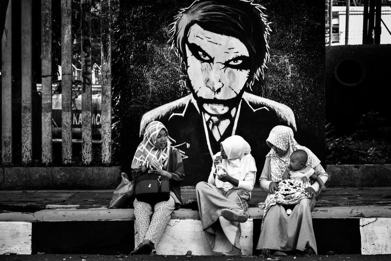 Beware your back~ Joker Batman Street Streetphotography Blackandwhite Kids Children Dark Evil Beware Graffity Mural