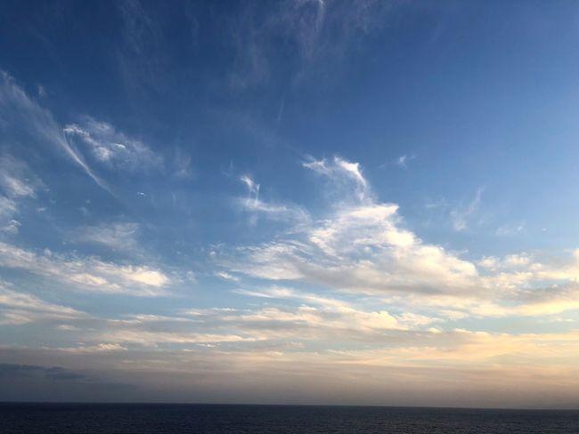 Sky Cloud - Sky Sea Horizon Horizon Over Water Water Beauty In Nature Scenics - Nature Tranquility Nature Tranquil Scene Blue No People Urban Skyline Outdoors Sunlight Idyllic Awe Sunset Sonnenuntergang Wolkenbilder Wolkenkunst Himmel Und Wolken Meer Himmelskunst