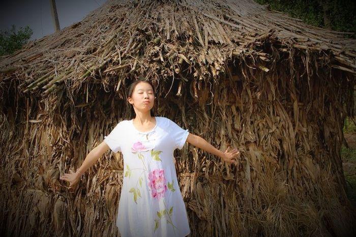 Asian Culture Banda Girl Summer Vacation Countryside Traveling